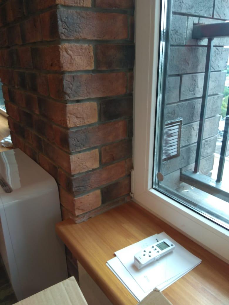 квадратная решетка в откос окна